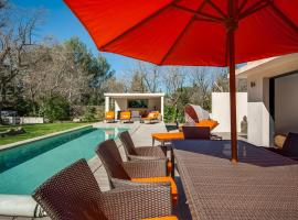 Villa Ten Minutes from the Centre of Aix-en-Provence, Экс-ан-Прованс (рядом с городом Les Gervais)