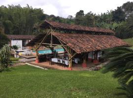 La Casona de Lomitas, Lomita (Dagua yakınında)
