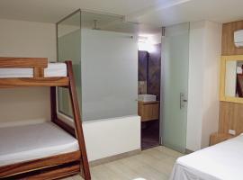 Hotel Piso 12, Bello (Copacabana yakınında)