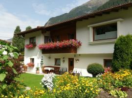 Haus Rosi, Sankt Leonhard im Pitztal (Bichl yakınında)