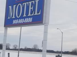 Twin Oaks Motel, Orono