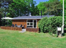 Holiday Home in scenic location Kratvej 098717, Frederikshavn (Sæby yakınında)