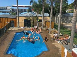 Bay Adventurer Backpackers & Apartments