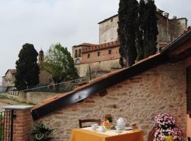 All'Ombra del Castello, Cigliè (Niella Tanaro yakınında)