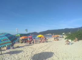 Casa de Praia Floripa, Florianópolis (Cachoeira do Bom Jesus yakınında)