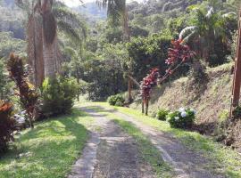 Paraiso Grego, Bairro das Rosas (Juquitiba yakınında)