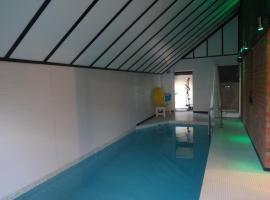 Ferienhaus mit Indoorpool, Pötenitz