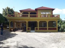 Griffiths Guest House, White Hill (Santa Cruz yakınında)