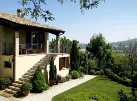 Country home near Urbino and Fano, Fossombrone