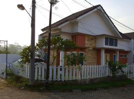 Zhafran Vbt Malang Homestay, Маланг (рядом с городом Sengon)