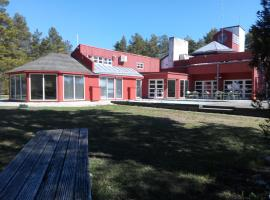 Paatsalu Holiday Center, Paatsalu (Uue-Varbla yakınında)
