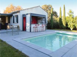 Three-Bedroom Holiday Home in Velleron, Velleron