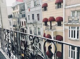 İstiklal Apartments, Истанбул