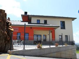 Albergue Restaurante Casa Herminia, El Campiello (Muñalén yakınında)
