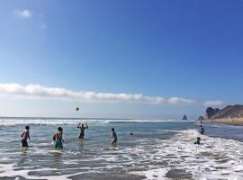 The Lookout Beach Hotel, San Lorenzo (Cañas yakınında)