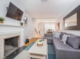 Two-Bedroom, Two-Bath Duplex in Beacon Hill