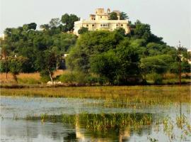 Titardi Garh- Heritage 18th Century Castle, Удайпур (рядом с городом Dakan Kotra)