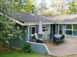 Four-Bedroom Holiday home in Asnæs 1, Asnæs (Grevinge yakınında)