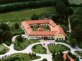 Szépalma Hotel, Porva