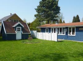Two-Bedroom Holiday home in Faxe Ladeplads 2, Fakse Ladeplads (Store Elmue yakınında)