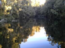 lake kaniere bach, Lower Kokatahi