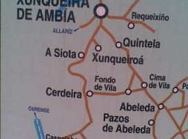 Casa rosa, Ambía (Maceda yakınında)