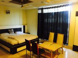 Hotel Bagga (Blue Diamond), Rāj Nāndgaon (рядом с городом Khujji)