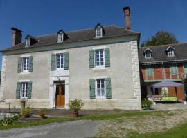 House Chez marie 1, Asson (рядом с городом Lys)