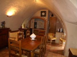 maison de charme, Veyreau (рядом с городом Saint-Pierre-des-Tripiers)
