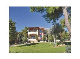 Six-Bedroom Holiday Home in Eretria, Эретрия (рядом с городом Yimnón)