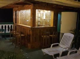 BR& Casa Maite, Morón