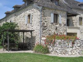 Gîte de Laval en Aveyron - Location saisonnière, Pradinas