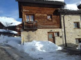 Love Chalet appartment, Livigno (Trepalle yakınında)