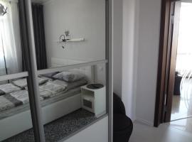 Gorkogo 18 apartment