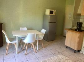 Studio meuble, Saint-Martin-de-Brômes (рядом с городом Esparron-de-Verdon)