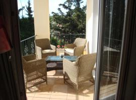 Countryside flat next to airport/Rafina port, Rafina
