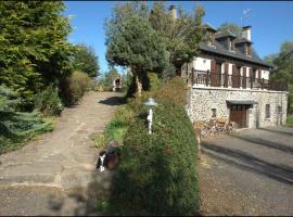 Chambres d'Hôtes Le Moulin du Pont, Сен-Бонне-де-Салер (рядом с городом Fontanges)