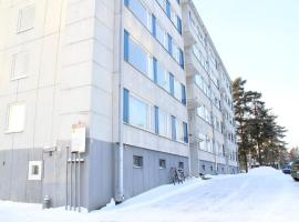 A spacious three-bedroom apartment for six persons in Hyvinkää. (ID 7468), Хювинкяя (рядом с городом Toivomäki)