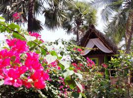 Dharmakanni Tropical Huts, Ауровиль