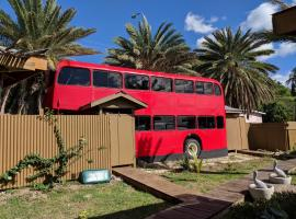 Converted double decker London bus, Crab Hill (Johnsons Point yakınında)