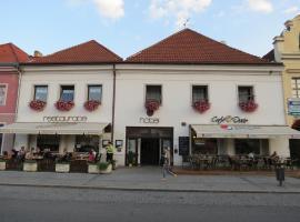Hotel Český Dvůr, Beroun (Hýskov yakınında)