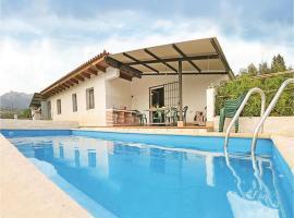 Three-Bedroom Holiday Home in Benalauria, Benalauría (Cerca de Cortes de la Frontera)