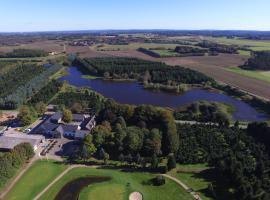 Tollundgaard Golf Park & Apartments, Funder Kirkeby (Abildskov yakınında)
