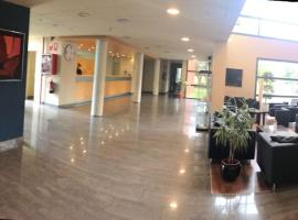 Hotel Les Torres, Sant Esteve Sesrovires (Gélida yakınında)