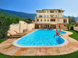 Hotel Teutschhaus, Cortina Sulla Strada Del Vino (Magrè all' Adige yakınında)