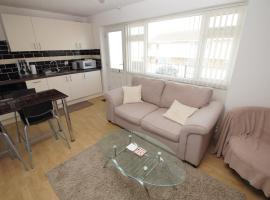 2 Bed Apartment w/private access to 7 miles of sandy beach - Sleeps 4, Brean
