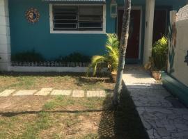 Silver Summer Skye's, Nassau (Yamacraw Beach Estate yakınında)