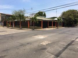 Apartamentos Chorotega, Cañas