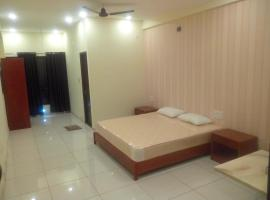 KSS hotel and lodging, Kollūru (рядом с городом Lakshmipur)
