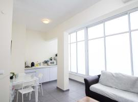 Coazy Quiet Apartment In Tel Aviv